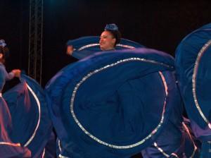 Las danzas mestizas forman junto con las danzas indígenas, parte del folclore de los pueblos latinoamericanos.