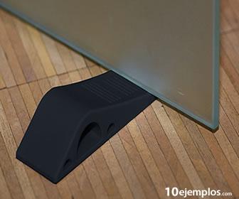 La cuña permite abrir o bloquear objetos.